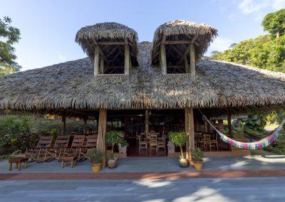 Luna Lodge front